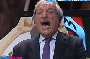 italian tv announcer goes mental after mario balotelli's goal...again